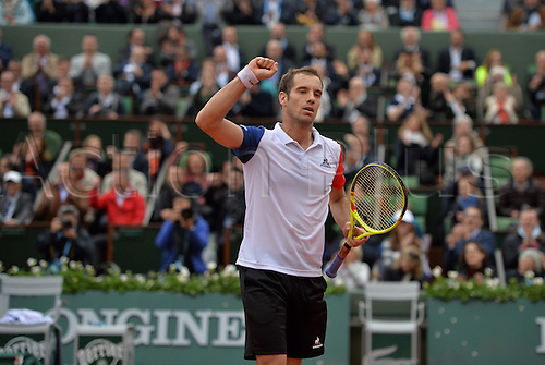 01.06.2016. Roland Garros, Paris, France. French Open tennis tournament, rain delayed quarter-final match, Andy Murray (gbr) versus Richard Gasquet (fra). Murray came back from a set down to win the match in 4 sets to make the semi-final round.