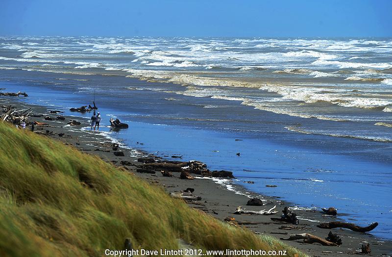 Foxton Beach, Manawatu, New Zealand on Saturday, 14 January 2012. Photo: Dave Lintott / lintottphoto.co.nz