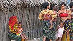Indígenas guna / mujeres en Mamitupu, comarca de Guna Yala / Panamá.