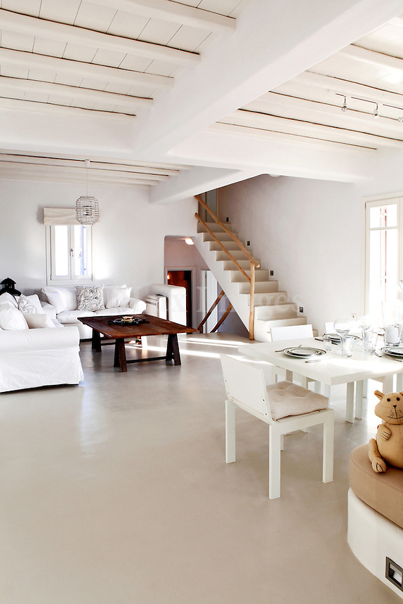 cycladic white living room