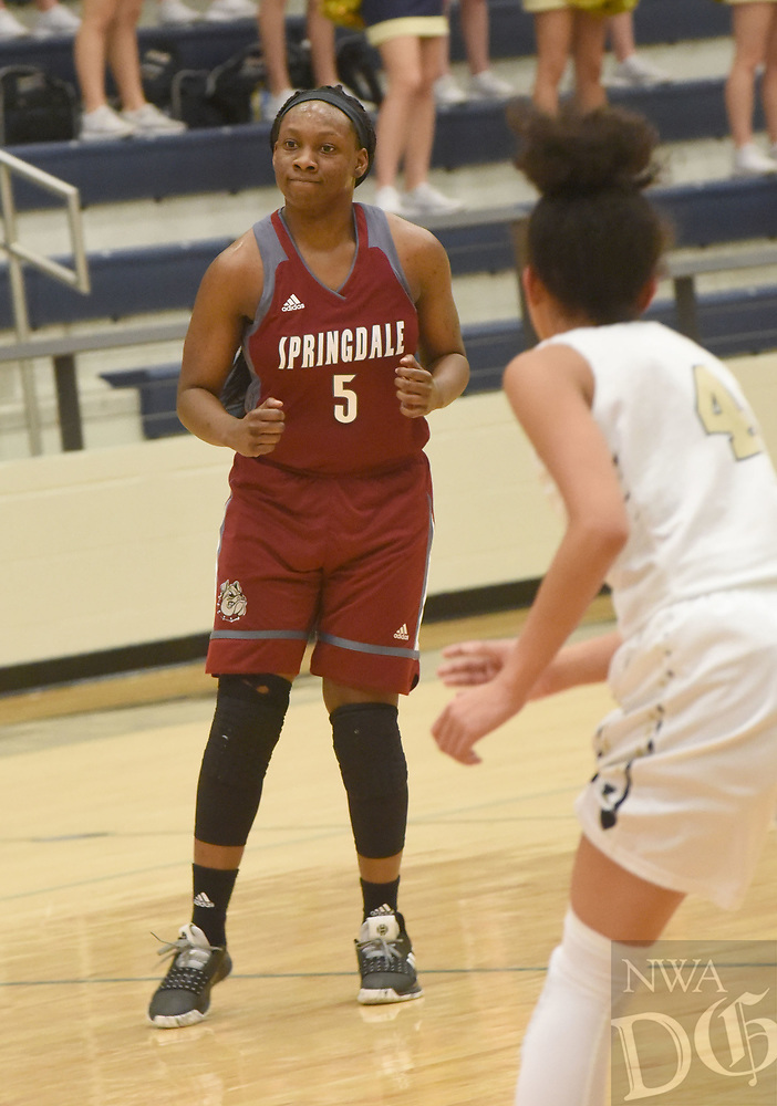 NWA Democrat-Gazette/FLIP PUTTHOFF <br /> Jeniya Gause (5) plays Tuesday Jan. 8 2019 for the Springdale Lady Bulldogs.