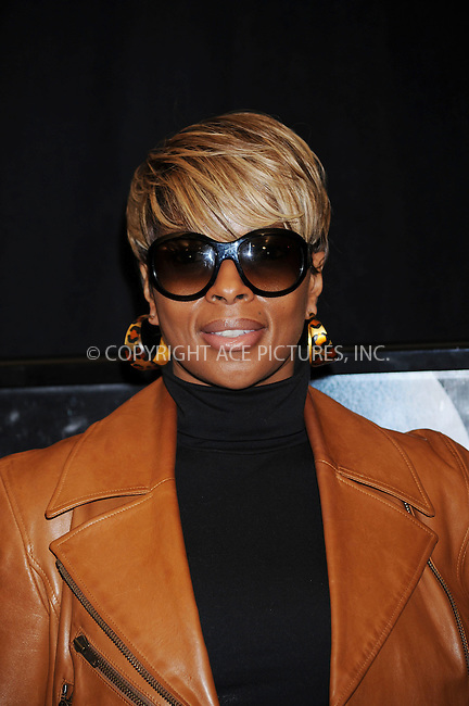 WWW.ACEPIXS.COM . . . . . ....January 7 2009, New York City....Singer Mary J Blige arriving at the premiere of 'Notorious' at the AMC Lincoln Square on January 7, 2009 in New York City.....Please byline: KRISTIN CALLAHAN - ACEPIXS.COM.. . . . . . ..Ace Pictures, Inc:  ..tel: (212) 243 8787 or (646) 769 0430..e-mail: info@acepixs.com..web: http://www.acepixs.com