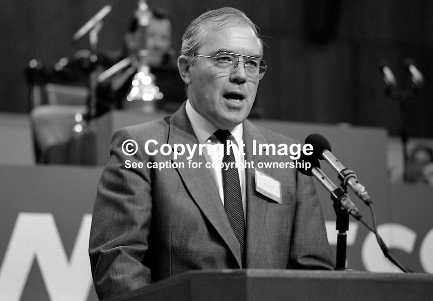 Eric Hammond, general secretary, Electrical, Electronic, Telecommunication and Plumbing Union, EEPTU, trade union, UK, addresses Trades Union Congress annual conference 1984. 19840103EH1..Copyright Image from Victor Patterson, 54 Dorchester Park, Belfast, UK, BT9 6RJ..Tel: +44 28 9066 1296.Mob: +44 7802 353836.Voicemail +44 20 8816 7153.Skype: victorpattersonbelfast.Email: victorpatterson@me.com.Email: victorpatterson@ireland.com (back-up)..IMPORTANT: If you wish to use this image or any other of my images please go to www.victorpatterson.com and click on the Terms & Conditions. Then contact me by email or phone with the reference number(s) of the image(s) concerned.