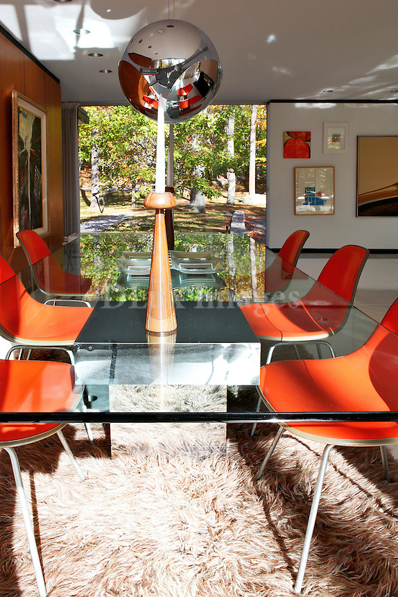 contemporary dining set