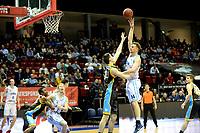 GRONINGEN - Basketbal, Donar - Den Helder Suns, Martiniplaza, Dutch Basketbal League,  seizoen 2018-2019, 27-11-2018,  Donar speler Thomas Koenes op weg naar score