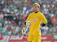 FUSSBALL   1. BUNDESLIGA   SAISON 2011/2012    3. SPIELTAG SV Werder Bremen - SC Freiburg                             20.08.2011 Torwart Oliver BAUMANN (Freiburg) ist enttaeuscht