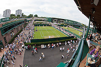 24-6-09, England, London, Wimbledon, Overall vieuw, in front court 14 and court one in the background