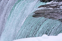 Winter view at the brink of the Canadian falls