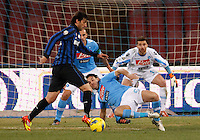 NAPOLI 25/01/2012 - COPPA ITALIA  2011/2012  QUARTI. INCONTRO NAPOLI - INTER. NELLA FOTO   DIEGO MILITO  SALVATORE ARONICA MORGAN DE SANCTIS.FOTO CIRO DE LUCA