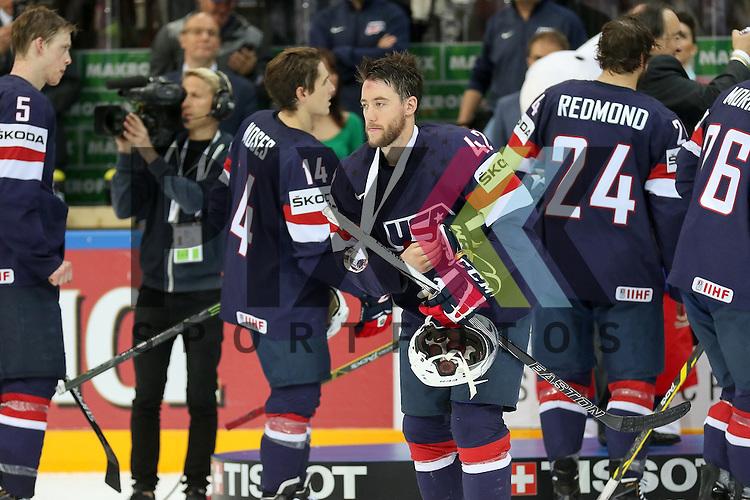 USAs Sexton, Dan (Nr.42)(Neftkhimik Nizhnekamsk), Team USA Gewinnt Bronze nach dem Spiel IIHF WC15 USA vs. Czech Republic die Cermony Bronze.<br /> <br /> Foto &copy; P-I-X.org *** Foto ist honorarpflichtig! *** Auf Anfrage in hoeherer Qualitaet/Aufloesung. Belegexemplar erbeten. Veroeffentlichung ausschliesslich fuer journalistisch-publizistische Zwecke. For editorial use only.
