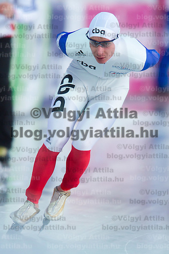 France's Alexis Contin competes in the Men's 10000m race of the Speed Skating All-round European Championships in Budapest, Hungary on January 8, 2012. ATTILA VOLGYI