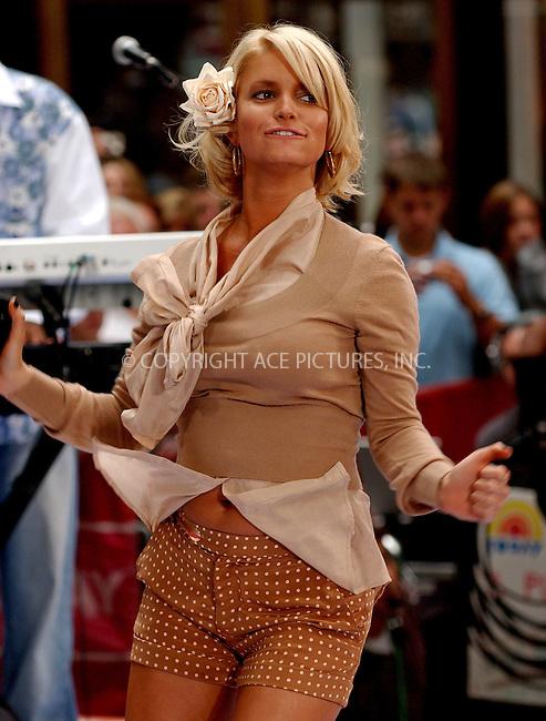 WWW.ACEPIXS.COM . . . . . ....NEW YORK, SEPT 1, 2006....Jessica Simpson perfoms on NBC Today Show.....Please byline: KRISTIN CALLAHAN - ACEPIXS.COM.. . . . . . ..Ace Pictures, Inc:  ..(212) 243-8787 or (646) 679 0430..e-mail: picturedesk@acepixs.com..web: http://www.acepixs.com
