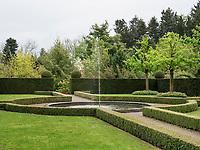 Garten, Schloss Hahnberg in Berg, Kanton St. Gallen, Schweiz<br /> garden of castle Hahnberg in Berg, Canton St. Gallen, Switzerland