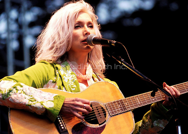 Emmylou Harris performing at the Strictly Bluegrass Festival In Golden Gate Park, San Francisco. October 2005.<br /> &copy; Anthony Pidgeon / MediaPunch.