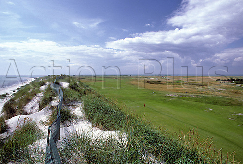 View of the 18th green beside the Baltic Sea at Falsterbo Golf Club, Fyvagen, Sweden. Photo: Brian Morgan/actionplus.. .course courses general view views scene scenery spectacular clubs landscape venue .Swedish .eighteenth 014.