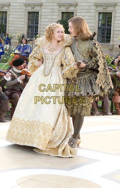 JUNO TEMPLE & FREDDIE FOX .in The Three Musketeers .*Filmstill - Editorial Use Only*.CAP/PLF.Supplied by Capital Pictures.