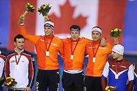 SPEEDSKATING: CALGARY: 14-11-2015, Olympic Oval, ISU World Cup, Podium Men Team Sprint, Ronald Mulder, Stefan Groothuis, Kai Verbij, Team NED, ©foto Martin de Jong