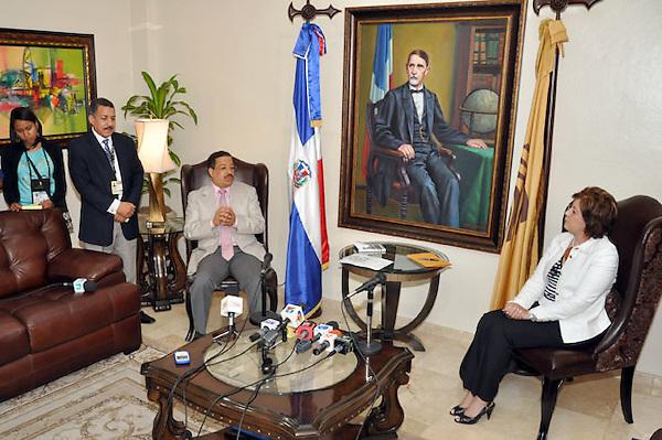 La Ministra de Educación Josefina Pimentel Visita al Pleno de la JCE. .Foto:Saturnino Vasquez/acento.com.do.Fecha:12/05/2012