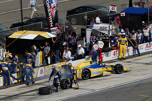 22-23 August, 2015, Pocono, Pennsylvania USA<br /> Marco Andretti pit stop<br /> © 2015, Michael L. Levitt<br /> LAT Photo USA