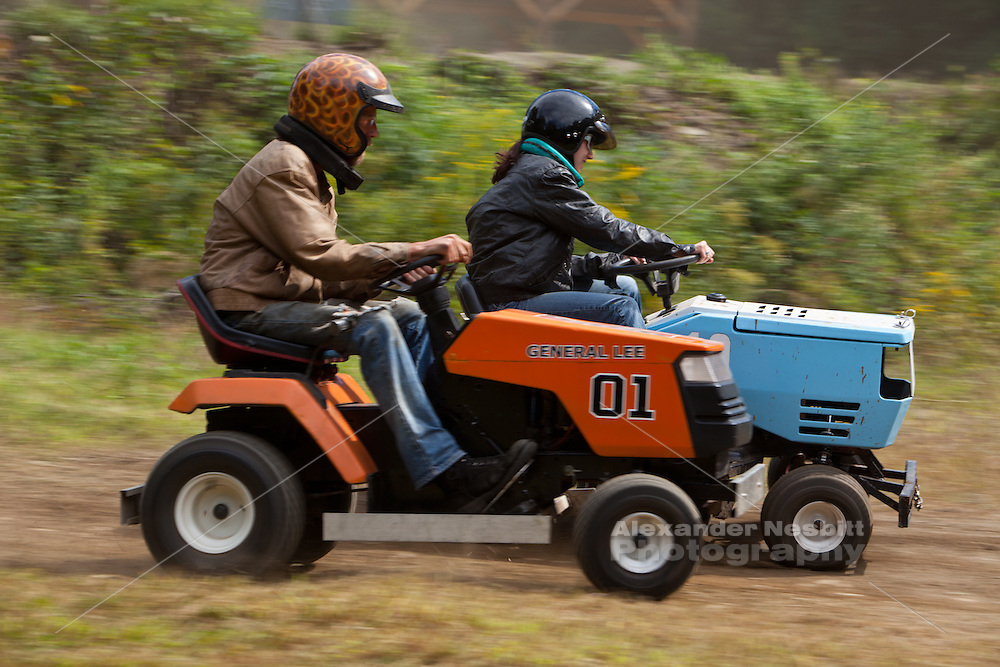 Lawn Mower Racing >> Grasscar Lawn Mower Racing In Southern Mass Alexander