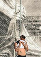 SÃO PAULO,SP,12MARCO 2013 - TREINO CORINTHIANS.  Guerrero   durante treino do Corinthians no CT Joaquim Grava, no Parque Ecologico do Tiete, zona leste de Sao Paulo, na tarde desta terca feira . O time se prepara para o jogo  contra o Tijuana  em Sao Paulo valido pela primeira Libertadores da America 2013. FOTO ALAN MORICI - BRAZIL FOTO PRESS