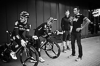Team SKY DS's Dario Cioni &amp; Gabriel Rasch + riders Salvatore Puccio (ITA/Sky) &amp; Geraint Thomas (GBR/SKY) waiting for their teammates to set off for the morning course recon<br /> <br /> stage 17: Burgos-Burgos TT (38.7km)<br /> 2015 Vuelta &agrave; Espana