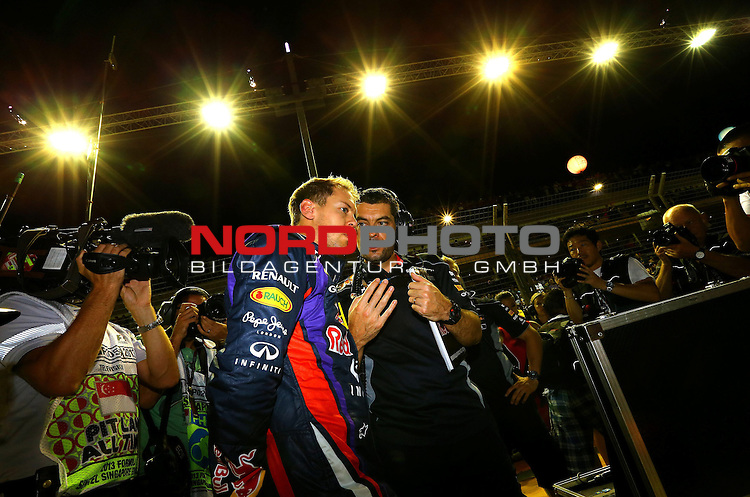 19.-22.09.2013, Marina-Bay-Street-Circuit, Singapur, SIN, F1, Grosser Preis von Singapur, Singapur, Sebastian Vettel (GER), Red Bull Racing <br /> for Austria &amp; Germany Media usage only!<br />  Foto &copy; nph / Mathis