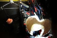 LE BROCANTEUR, motivi francesi. LE BROCANTEUR, French grounds..Galleria 291 est, nello storico quartiere di San Lorenzo, Roma..Gallery 291 East, in the historical district of San Lorenzo, Rome...