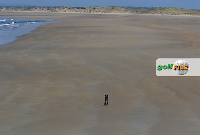 Alone on Banna Strand during the Munster Final of the AIG Barton Shield at Tralee Golf Club, Tralee, Co Kerry. 12/08/2017<br /> Picture: Golffile | Thos Caffrey<br /> <br /> <br /> All photo usage must carry mandatory copyright credit     (&copy; Golffile | Thos Caffrey)