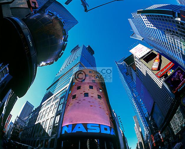 NADAQ STOCK EXCHANGE BUILDING BUILDING TIMES SQUARE MANHATTAN NEW YORK CITY USA