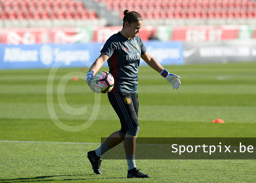 20171024 - PENAFIEL , PORTUGAL :  Belgian Justien Odeurs pictured during warming up of a women's soccer game between Portugal and the Belgian Red Flames , on tuesday 24 October 2017 at Estádio Municipal 25 de Abril in Penafiel. This is the third game for the  Red Flames during the Worldcup 2019 France qualification in group 6. PHOTO SPORTPIX.BE | DAVID CATRY