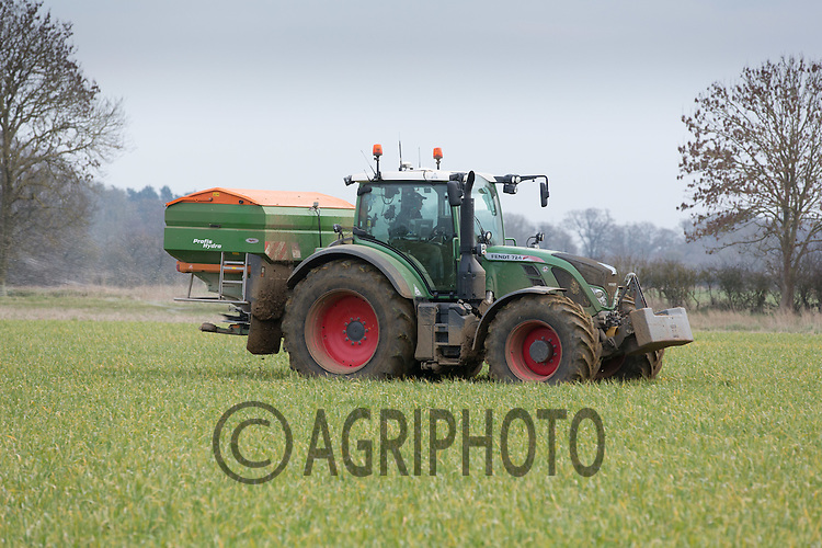 Applying nitrogen to Winter Cereals <br /> Picture Tim Scrivener 07850 303986 <br /> scrivphoto@btinternet.com<br /> &hellip;.covering agriculture in the UK&hellip;.