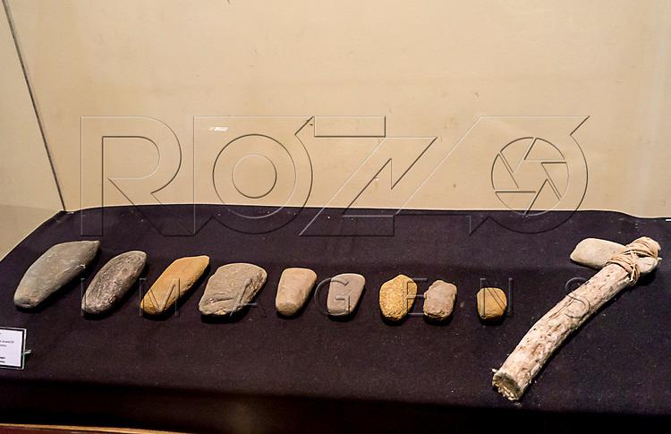 L&acirc;minas de Machado no Museu de Antropologia do Vale do Para&iacute;ba, Jacare&iacute; - SP, 06/2016.<br /> Origem: S&iacute;tios Arqueol&oacute;gicos de Jacare&iacute; - SP, Material/T&eacute;cnica: lascamento e polimento.