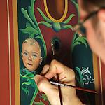 Nederland, Utrecht, 09-03-2012  Heropening Stadskasteel Paushuize . Restaurateur legt de laatste hand aan wandschildering. Foto: Gerard Til
