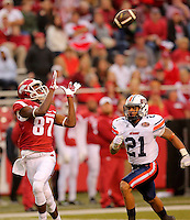 10/31/15<br /> Arkansas Democrat-Gazette/STEPHEN B. THORNTON<br /> Arkansas' Dominique Reed  pulls in a 70 yard touchdown pass as he is defended by Ut Martin's Jordan Landry in the third quarter during their game Saturday in Fayetteville.