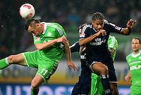 FUSSBALL   1. BUNDESLIGA    SAISON 2012/2013    15. Spieltag   VfL Wolfsburg - Hamburger SV                               02.12.2012 Ivica Olic (li, VfL Wolfsburg) gegen Michael Mancienne (re, Hamburger SV)