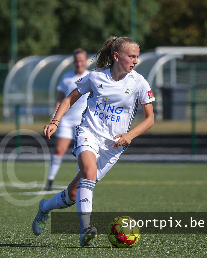 20190921 – LEUVEN, BELGIUM : OHL's  Lisa Vanhentenrijk is pictured during a women's soccer game between  Oud Heverlee Leuven Ladies B and Eendracht Aalst Ladies on the fourth match day of the Belgian Division 1 season 2019-2020, the Belgian women's football  national division 1, Saturday 21th September 2019 at the Bruinveld Youth Complex, Domeinstraat in Leuven , Belgium. PHOTO SPORTPIX.BE | SEVIL OKTEM