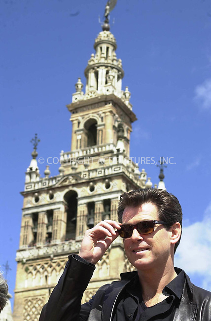 *USA, CANADA, ENGLAND SYNDICATION RIGHTS ONLY*     ..*     ..Pierce Brosnan with his wife and son and Halle Berry with her husband, Eric Benet, are in Cádiz , Spain to make the next James Bond 007 movie. Balneario de la Palma will be the place of filming where they will simulate that it's Cuba island. REF: PRSP2039.  Please Byline: NY Photo Press.   ..*PAY-PER-USE*      ....NY Photo Press:  ..phone (646) 267-6913;   ..e-mail: info@nyphotopress.com