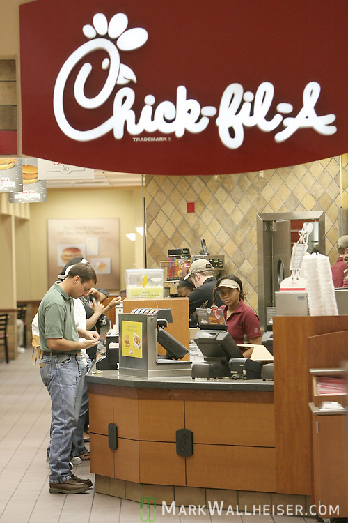 Customers line up for a sandwich at the Chick-fil-A in the Tallahassee Mall in Tallahassee, Florida September 13, 2007.  (Mark Wallheiser/TallahasseeStock.com)