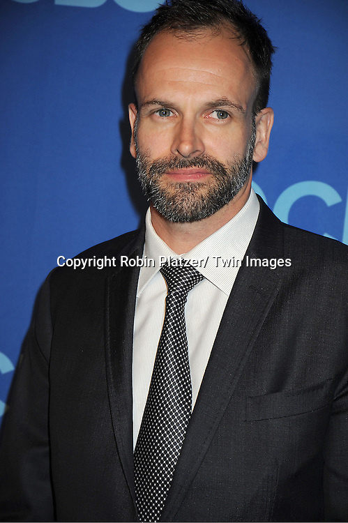 "Johnny Lee Miller of ""Elementary"" attends the CBS Prime Time 2013 Upfront on May 15, 2013 at Lincoln Center in New York City."
