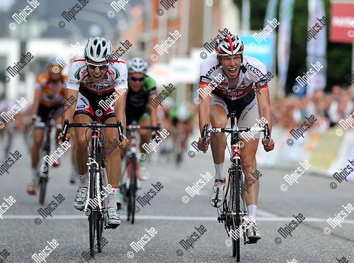2011-08-21 / Wielrennen / seizoen 2011 / BK Beloften in Geel /  Tim Declercq (r) won nipt voor Sander Helven..Foto: mpics