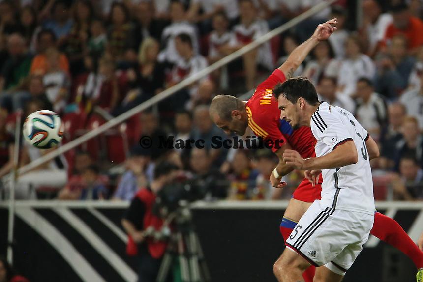 Kopfball Mats Hummels (D) - Deutschland vs. Armenien in Mainz