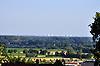 Blick über Oppenheimer Felder auf die Kühltürme des Atomkraftwerks Biblis (Hessen)