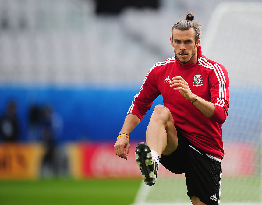 Wales's Gareth Bale during todays training session<br /> <br /> Photographer Kevin Barnes/CameraSport<br /> <br /> International Football - 2016 UEFA European Championship - Training Session - Group B - England v Wales - Wednesday, 15th June 2016 - Stade Bollaert-Delelis, Lens Agglo, France<br /> <br /> World Copyright &copy; 2016 CameraSport. All rights reserved. 43 Linden Ave. Countesthorpe. Leicester. England. LE8 5PG - Tel: +44 (0) 116 277 4147 - admin@camerasport.com - www.camerasport.com