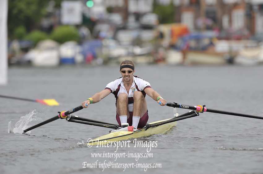Henley, Great Britain. D MANNION, in the closing stage of their heat in the Diamond Challenge Sculls. 2009 Henley Royal Regatta Friday 03/07/2009 at  [Mandatory Credit. Peter Spurrier/Intersport Images] . HRR.