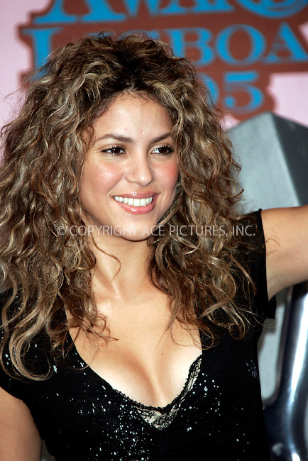 Shakira at The MTV Europe Music Awards 2005 held at the Atlantic Pavillion.  Lisbon, Portugal - 03 November 2005..FAMOUS .PICTURES AND FEATURES AGENCY .tel +44 (0) 20 7731 9333 .fax +44 (0) 20 7731 9330 .www.famous.uk.com .FAM16451