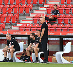 27.06.2020, Stadion an der Wuhlheide, Berlin, GER, DFL, 1.FBL, 1.FC UNION BERLIN  VS. Fortuna Duesseldorf , <br /> DFL  regulations prohibit any use of photographs as image sequences and/or quasi-video<br /> im Bild Cheftrainer Uwe Roesler (Fortuna Duesseldorf),<br /> Steven Skrzybski (Fortuna Duesseldorf #20)<br /> <br />      <br /> Foto © nordphoto / Engler