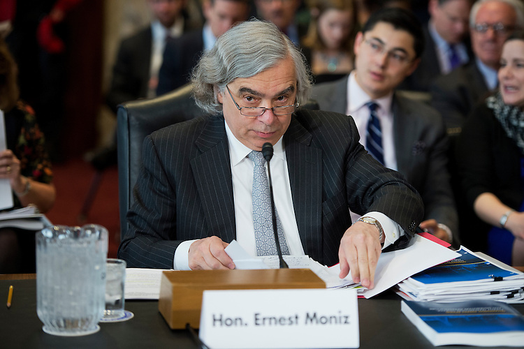 "UNITED STATES - APRIL 28: Secretary of Energy Ernest Moniz prepares to testify before a Senate Energy and Natural Resources Committee hearing in Dirksen Building titled ""The Quadrennial Energy Review,"" April 28, 2015. (Photo By Tom Williams/CQ Roll Call)"