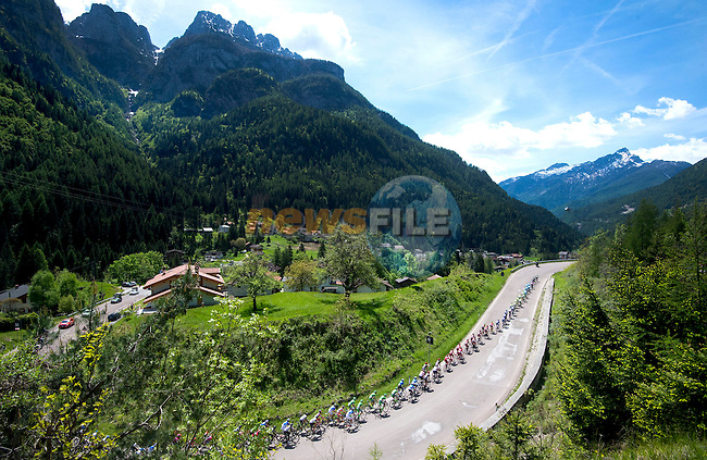 The start of the Queen stage, Stage 14 of the 2016 Giro d'Italia, running 210km from Alpago (Farra) to Corvara (Alta Badia), Italy. 21st May 2016.<br /> Picture: ANSA/Claudio Peri | Newsfile<br /> <br /> <br /> All photos usage must carry mandatory copyright credit (&copy; Newsfile | ANSA/Claudio Peri)