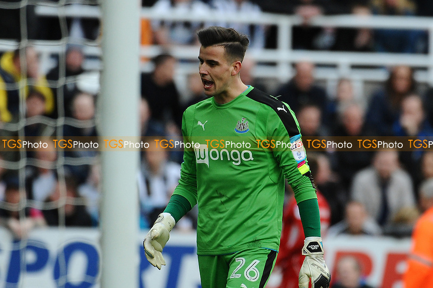 A frustrated Karl Darlow of Newcastle United after Bristol City go two up during Newcastle United vs Bristol City, Sky Bet EFL Championship Football at St. James' Park on 25th February 2017